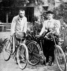 2013. Bicicleta y Marie Curie.