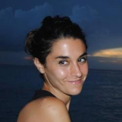 Dra. Aroa Pache (colaboradora)